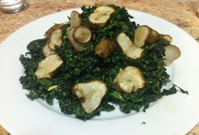 Raw Kale Salad with Roasted Jerusalem Artichokes